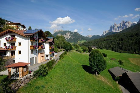 Villnöss Apartments, Accommodation in Funes, Funes St. Peter room, Funes Valley Hotel